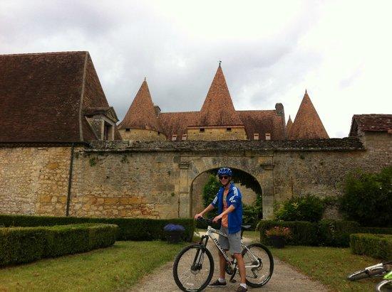 Bike Bus : Château de Marzac bij Tursac