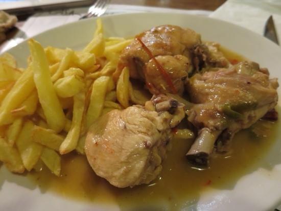 Dezaseis SL.: pollo guisado