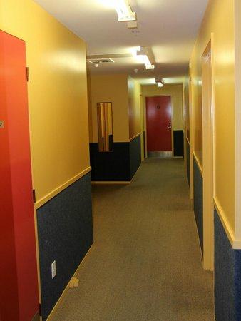 YHA Te Anau: passageway