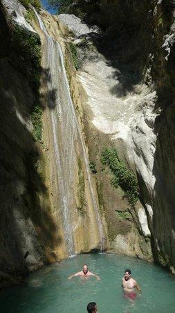 Nydri Waterfalls: The lake beneath
