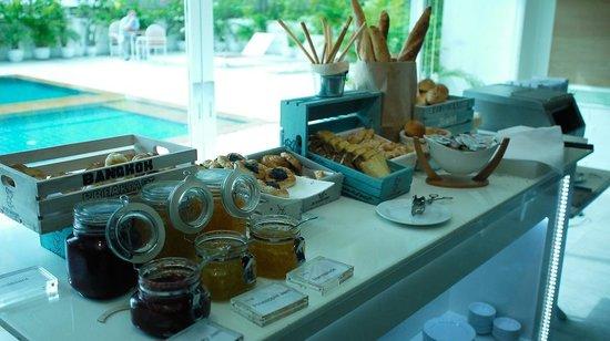Bangkok Hotel Lotus Sukhumvit : 麵包選擇也不錯!