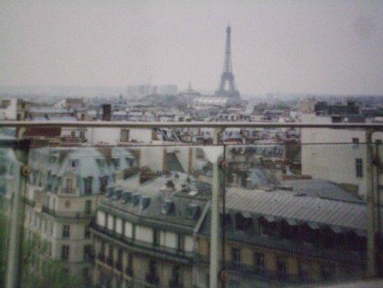 Printemps : 屋上から見えるパリの街