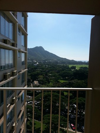 Queen Kapiolani Hotel : 16th Floor looking towards Diamond Head