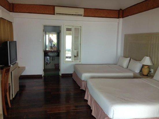 Nakara Long Beach Resort : OLD BUNGALOW