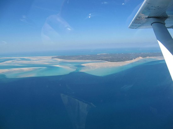 Anantara Bazaruto Island Resort: View of islands from aircraft