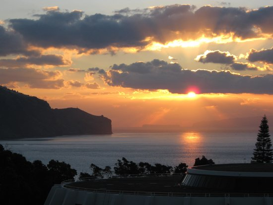 Pestana Casino Park: Morning view of Funchal harbour