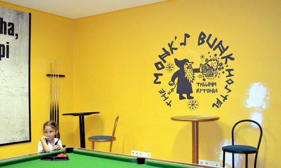 The Monk's Bunk: и бильярд здесь есть:)