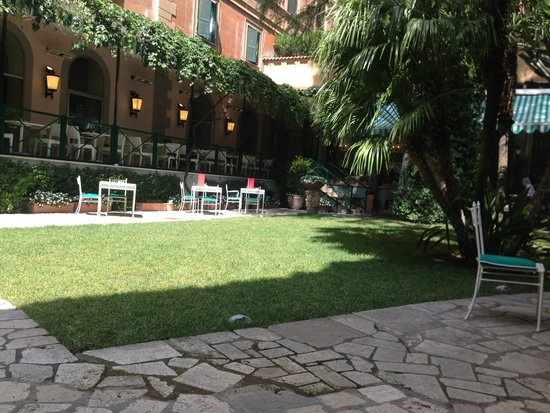 Quirinale Hotel : Beautiful gardens