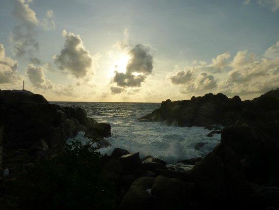 Thaproban Pavilion Resort and Spa: rocks