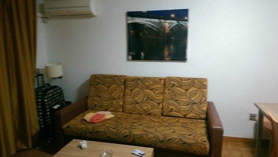 Apartamentos Levante Club: living room