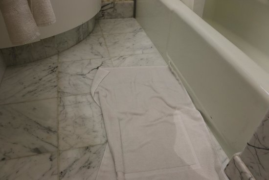 The Westin St. Francis San Francisco on Union Square : Leaking shower