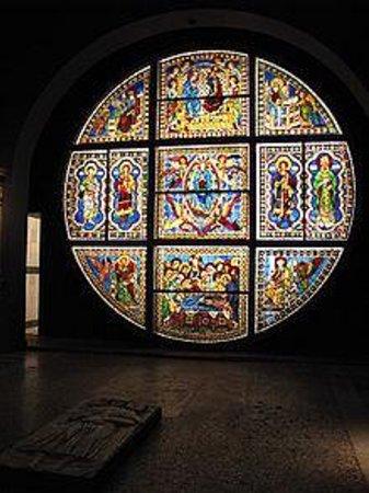 Cathédrale Notre-Dame-de-l'Assomption de Sienne : Vetrata di Duccio Buoninsegna