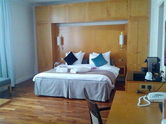 Crowne Plaza Hotel Brussels - Le Palace : Habitación