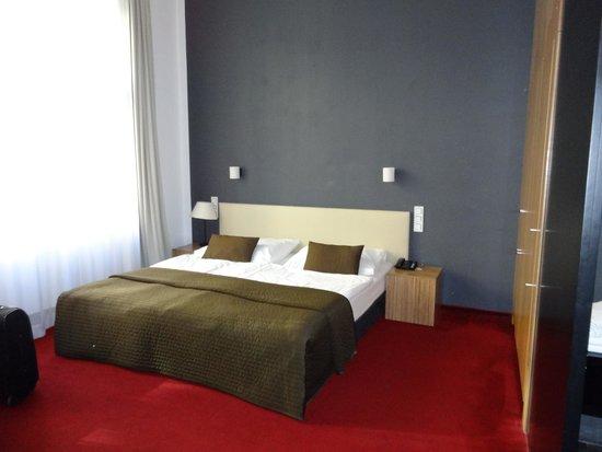 Hotel Noir: Letto