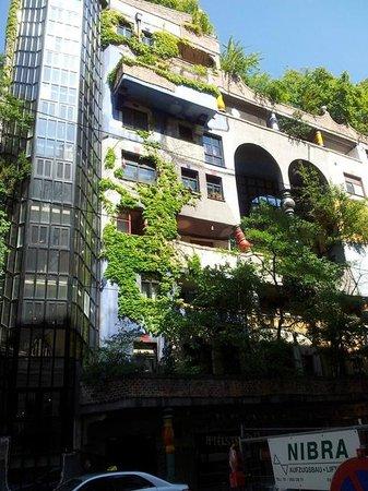 Hundertwasserhaus: вид на дом
