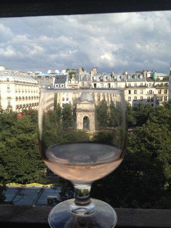 Citadines Les Halles Paris: View over square