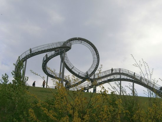 Tiger & Turtle – Magic Mountain: front view