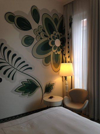 Hyperion Hotel Dresden am Schloss: Wand Decko