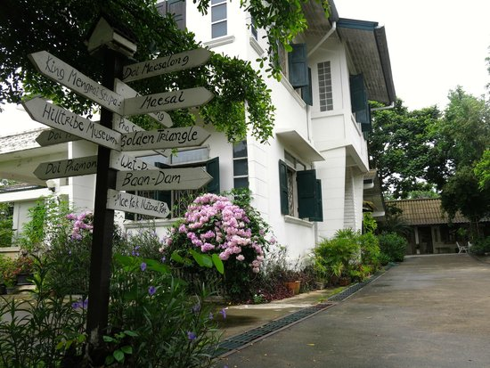 Baan Rub Aroon: Main inn is a historic building formerly housing the CDC offices
