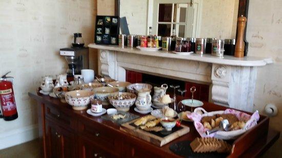 Ariel House : Breakfast Room