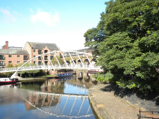 The Castlefield Hotel : Very short walk from hotel very interesting