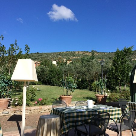 Relais Borgo San Pietro: breakfast area