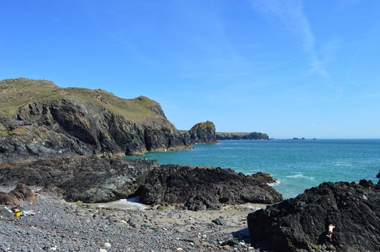 The Lizard and Kynance Cove: The view south