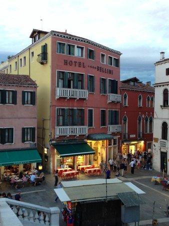 B4 Bellini Venezia : facciata dal ponet degli scalzi