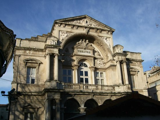 Opéra Théâtre d'Avignon : 現役の劇場です