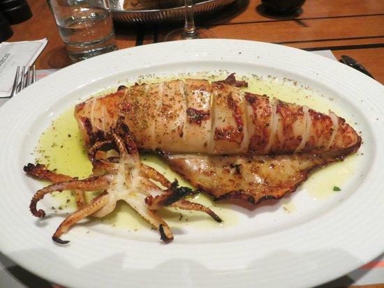 Athinaikon Restaurant: Кальмар гриль