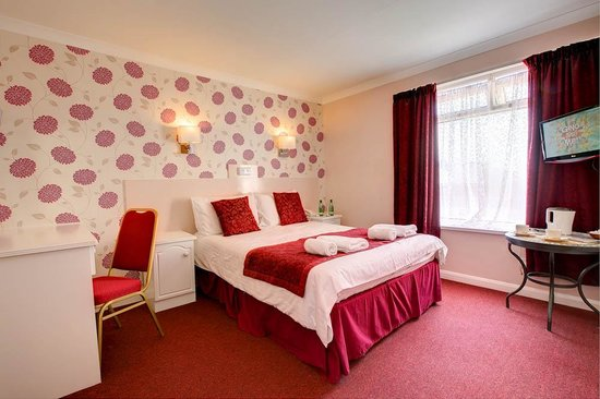 Barrowfield Hotel: A double room