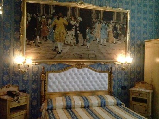 Hotel Noemi : Il letto