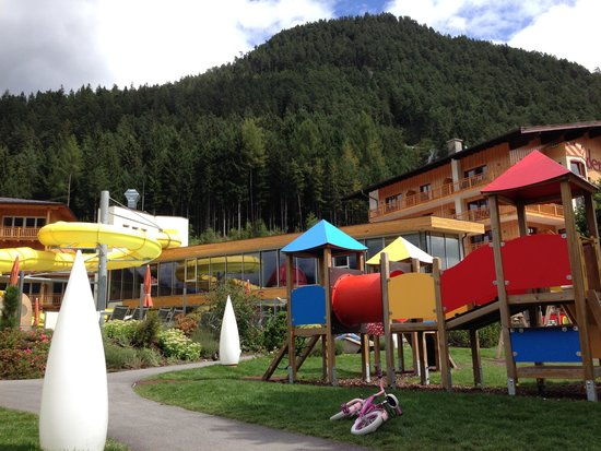 Kinderhotel Buchau : Outside play area