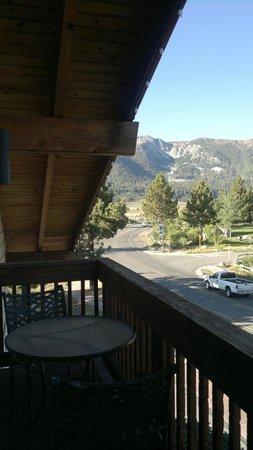 Mammoth Creek Inn : Balconcino della camera mansardata