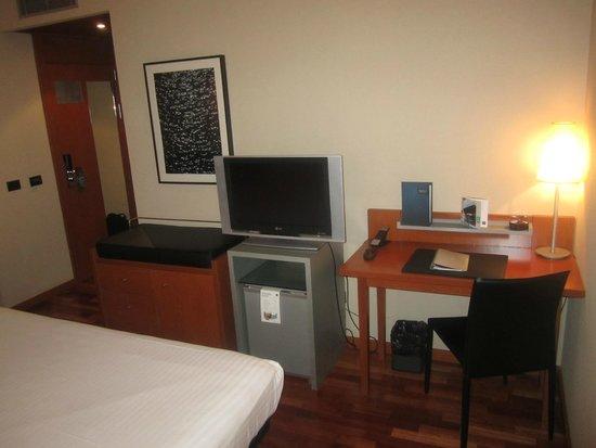 AC Hotel Tarragona: Habitacion