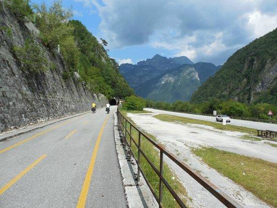 Tarvisio, Italia: L'acqua viene giù, noi andiamo in su!