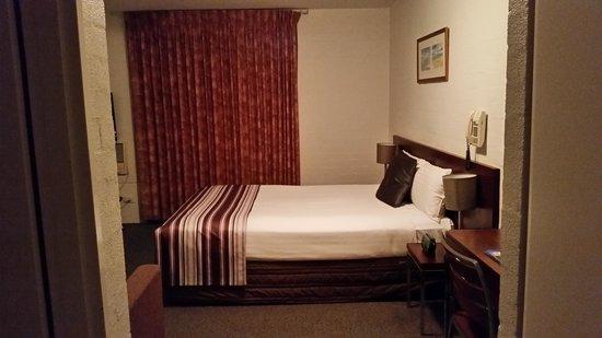 Atrium Hotel Mandurah: Atrium Deluxe Studio Room