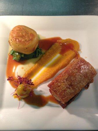 Mandolay Hotel & Conference Centre: Roast Pork