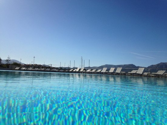 NH Marseille Palm Beach : Las piscine