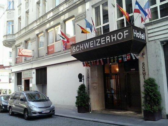 Hotel Schweizerhof: Entrata hotel