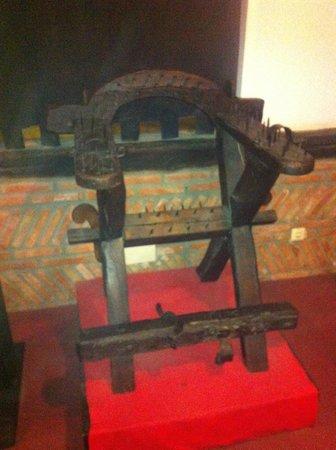Museo de la Inquisición: silla de tortura