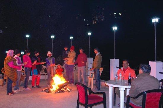Hotel Himgiri: Hotel Exterior - Boom Fire