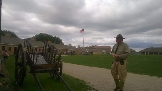 Historic Fort Snelling: Demonstration and picture of the grounds