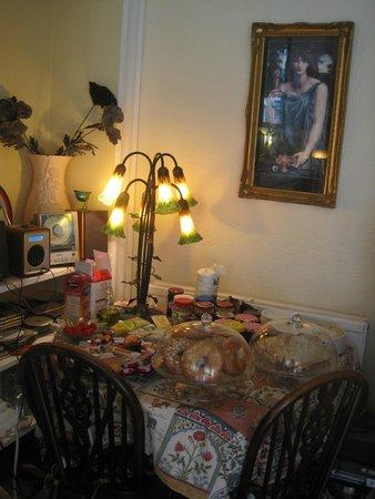 Claymore Vegetarian Guest House: Marmelade corner