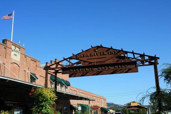 Napa River Inn at the Historic Napa Mill: Street view