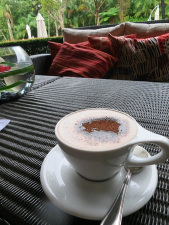 The Byron at Byron Resort & Spa: nice to stop - hot chocolate in winter