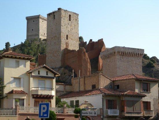 Daroca : Muralla con los torreones