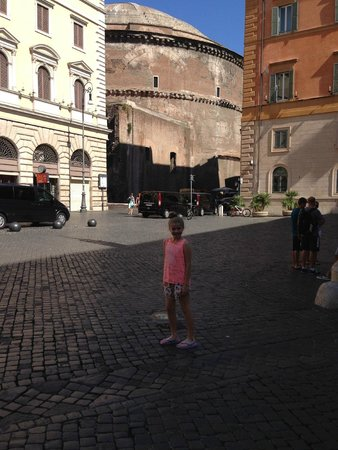 The piazza outside the front of the Pantheon Inn
