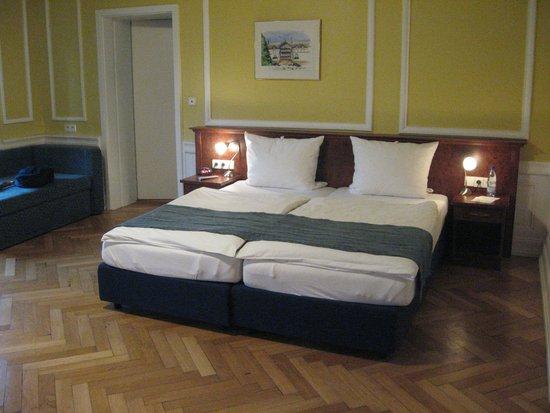 Hotel Chateau de Pourtales: chambre