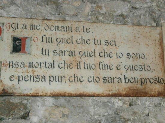 Chiesa di Santo Stefano - Mummie di Ferentillo: All'ingresso